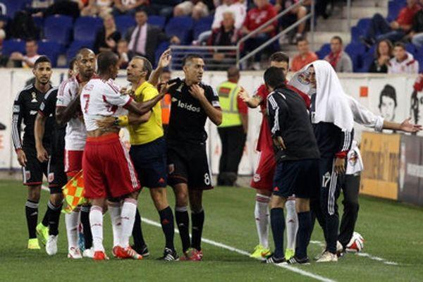 MLS: Στις καθυστερήσεις σώθηκαν οι Ρεντ Μπουλς (videos)