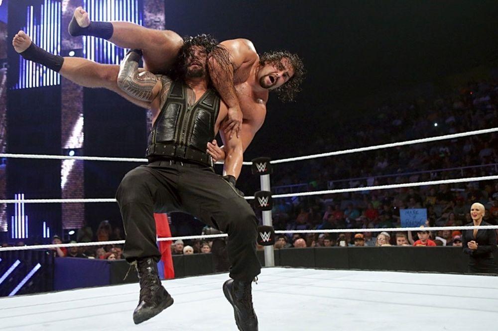 SmackDown: Reigns με Rollins και στη μέση ο… Rusev (photos+videos)