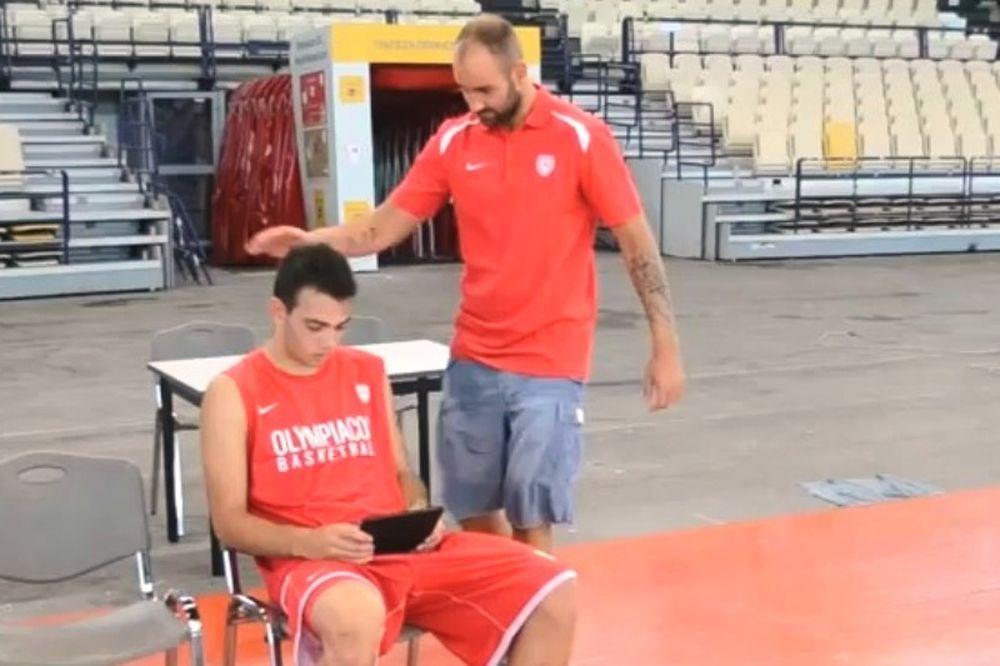 Ολυμπιακός: Η σφαλιάρα του Σπανούλη (video)