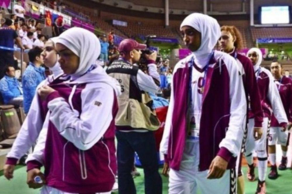 Κατάρ: Εκτός αγώνων εξαιτίας μαντίλων (photos)
