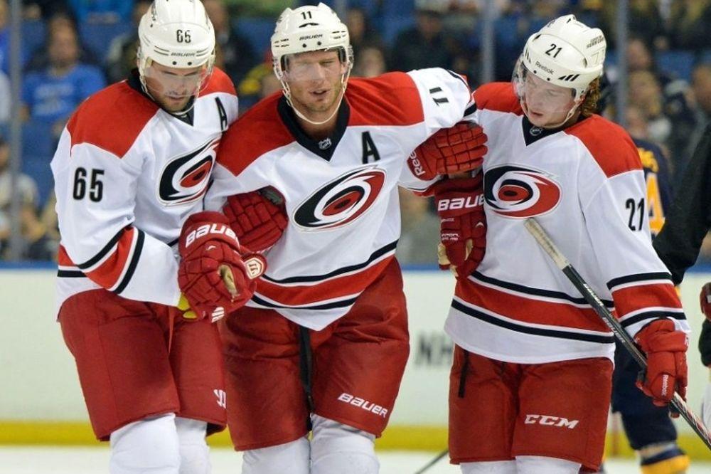 NHL: Τρεις με τέσσερις μήνες έξω ο Jordan Staal
