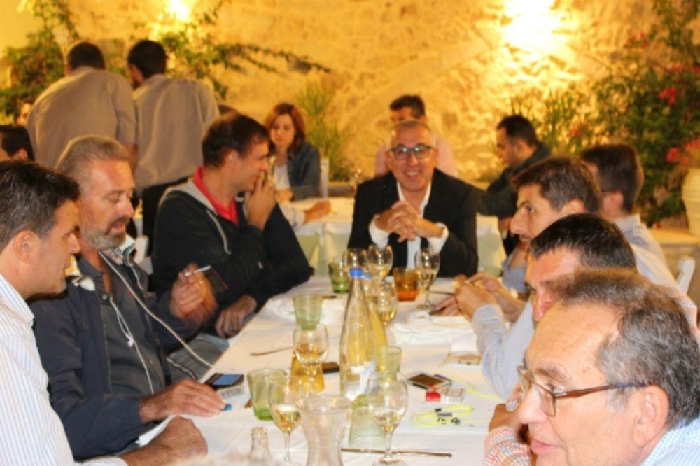 «Πέτρος Οικονομάκης»: Το δείπνο του Ρεθύμνου (photos)