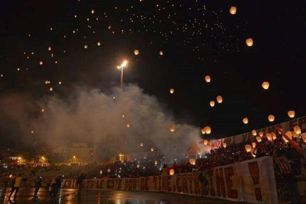 Απίστευτος φόρος τιμής από τους οπαδούς της Ντιναμό Βουκουρεστίου (video+photos)