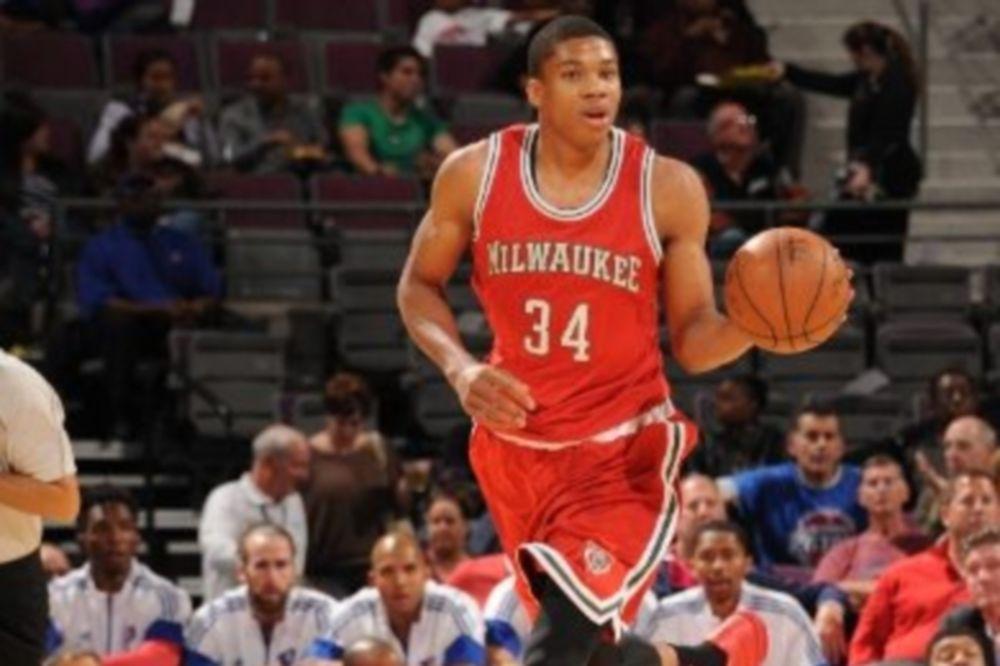 NBA: Νέα θετική εμφάνιση για Αντετοκούνμπο (videos)
