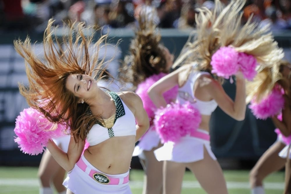 NFL: Σόου και θέαμα από τις Cheerleaders (photos)