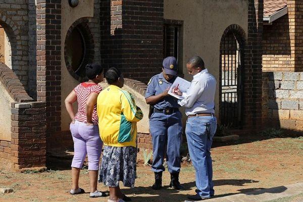 Σοκαρισμένη η Νότια Αφρική για το θάνατο του Μεγίβα (video+photos)