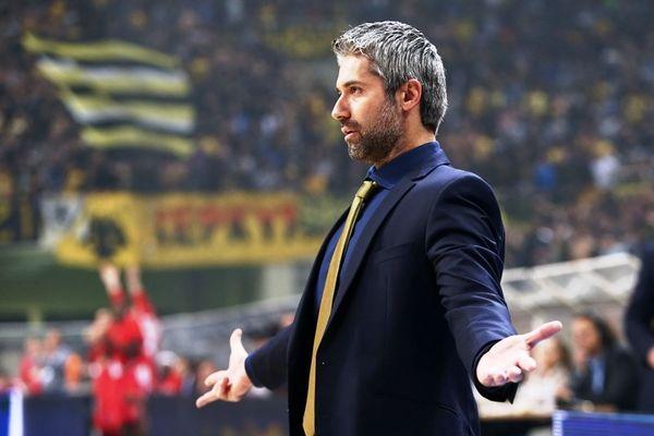 Ζιάγκος: «Για play-off η ΑΕΚ»