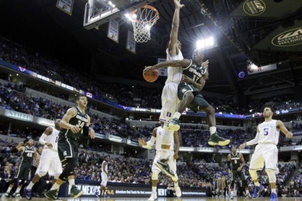 NCAA: Πειστική νίκη για Ντιουκ