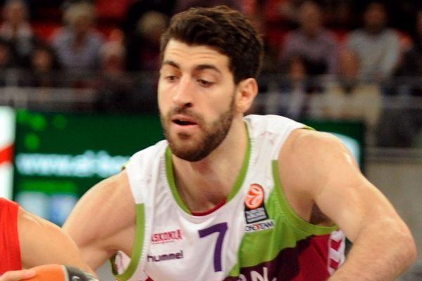 Σενγκέλια: «Παίξαμε ως ομάδα απέναντι στον Ολυμπιακό»