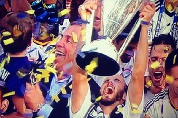 MLS: Πρωταθλητές οι Γκάλαξι, έκτος τίτλος για Ντόνοβαν (videos+photos)