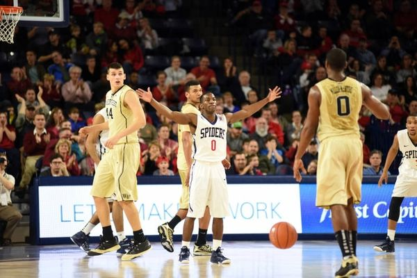 NCAA: «Διψήφιος» Μήτογλου, νίκη για Ουέικ Φόρεστ (videos)