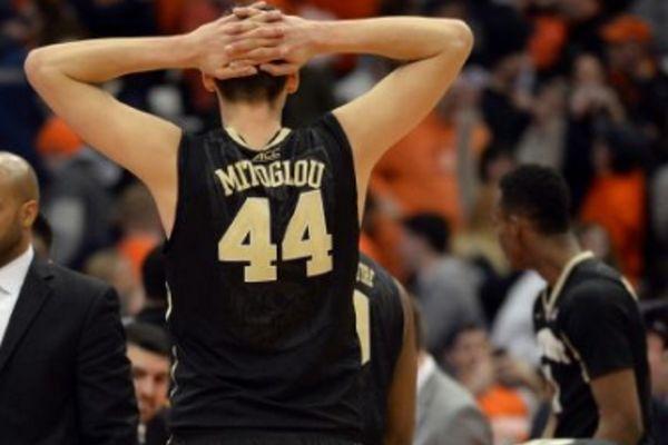 NCAA: Φοβερός Μήτογλου, ήττα για Ουέικ Φόρεστ (videos)