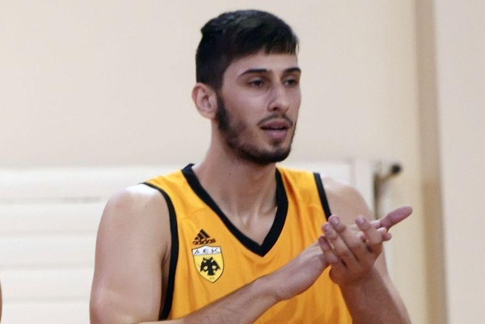 ΑΕΚ: Υπέγραψε τριετές, αλλά φεύγει ο Καμπερίδης