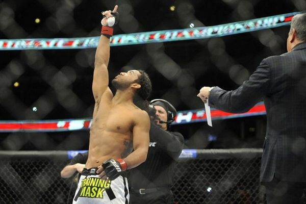 UFC Fight Night 65: Μεταγραφή στο main event o «Smooth» Henderson