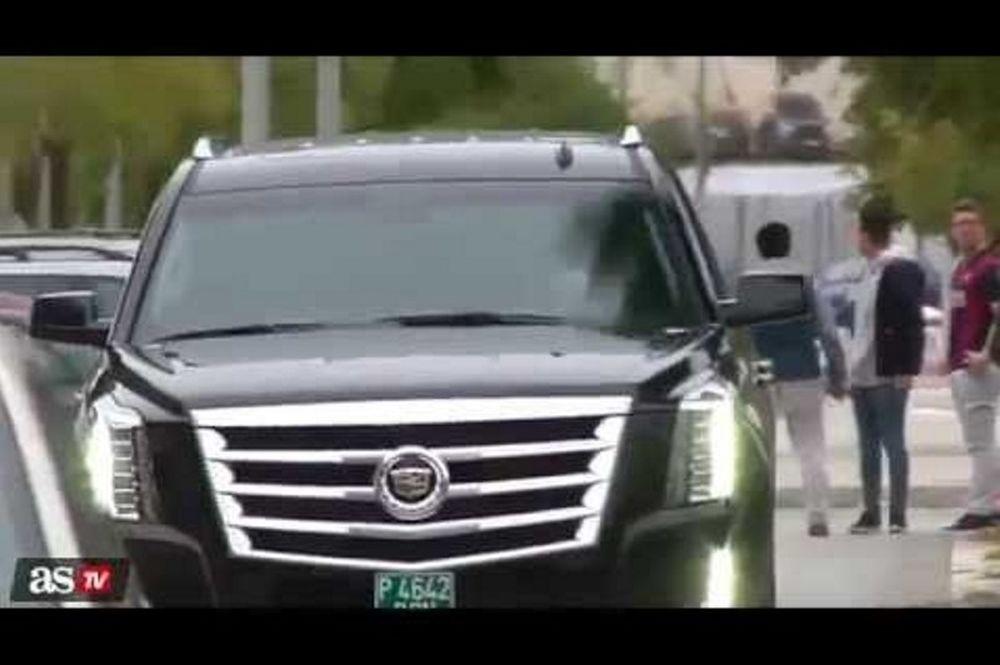 Γκρέμισε τοίχο στο προπονητικό κέντρο της Μπαρτσελόνα ο οδηγός του Μέσι (video)