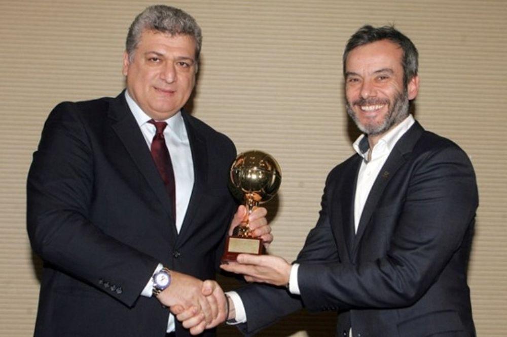 Ζουρνατσίδης: «Ατελείωτες υποχωρήσεις»