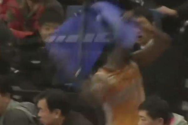 Κίνα: Σόου... ξύλου από πρώην παίκτη του Ολυμπιακού! (videos)