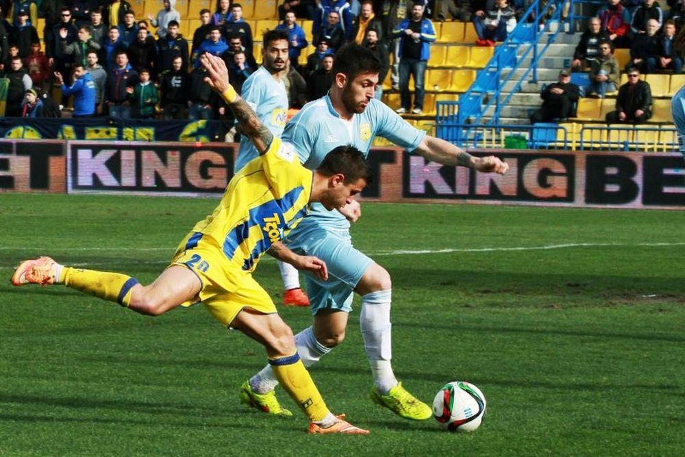 Super League: Μαρτίνες και Μονιάκης τα βραβεία της 24ης αγωνιστικής
