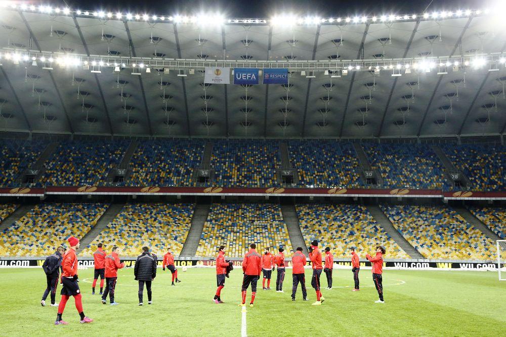 Ολυμπιακός: Με την κλασική φανέλα στο «Ολιμπίνσκι» (photos)