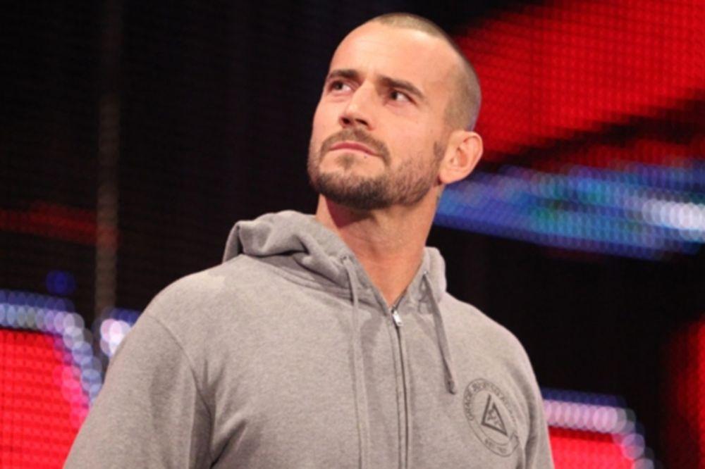UFC: Μήνυση στον CM Punk από ιατρό του WWE