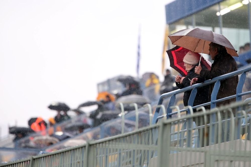 Αστέρας Τρίπολης: «Αγάπη αδιάβροχη» (photo)