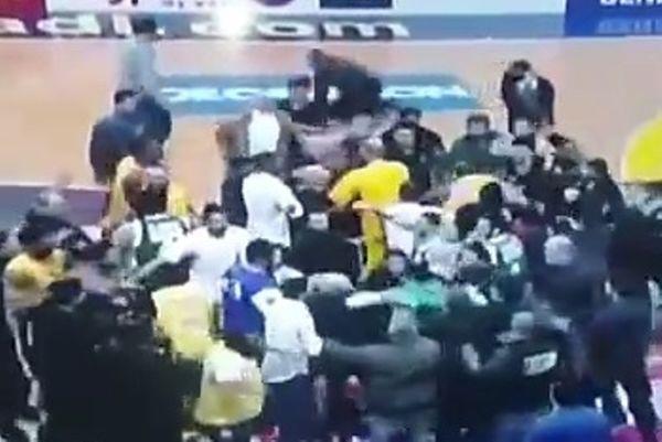 Μπάσκετ: Απίστευτες γροθιές και στο Λίβανο! (video)