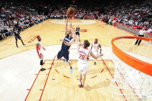 NBA: Μεγάλη νίκη για Γκρίζλις στον… ελληνικό εμφύλιο