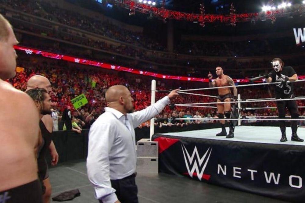 Raw: Στο πλευρό του Orton o… Sting (videos+photos)