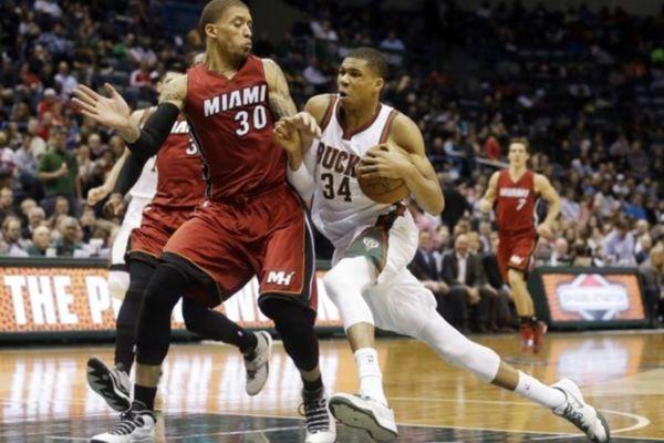 NBA: Τρελάθηκε ο Αντετοκούνμπο με Χιτ (videos)