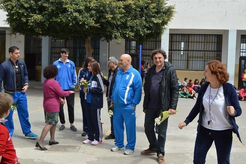 Στίβος: Οι κορυφαίοι Έλληνες αθλητές επισκέφτηκαν Δημοτικό Σχολείο (photos)