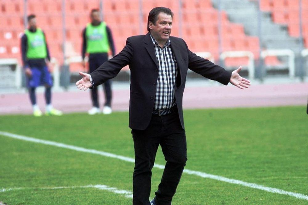 Παπαδόπουλος: «Δεν θέλω να μου κλέβουν τη δουλειά μου»