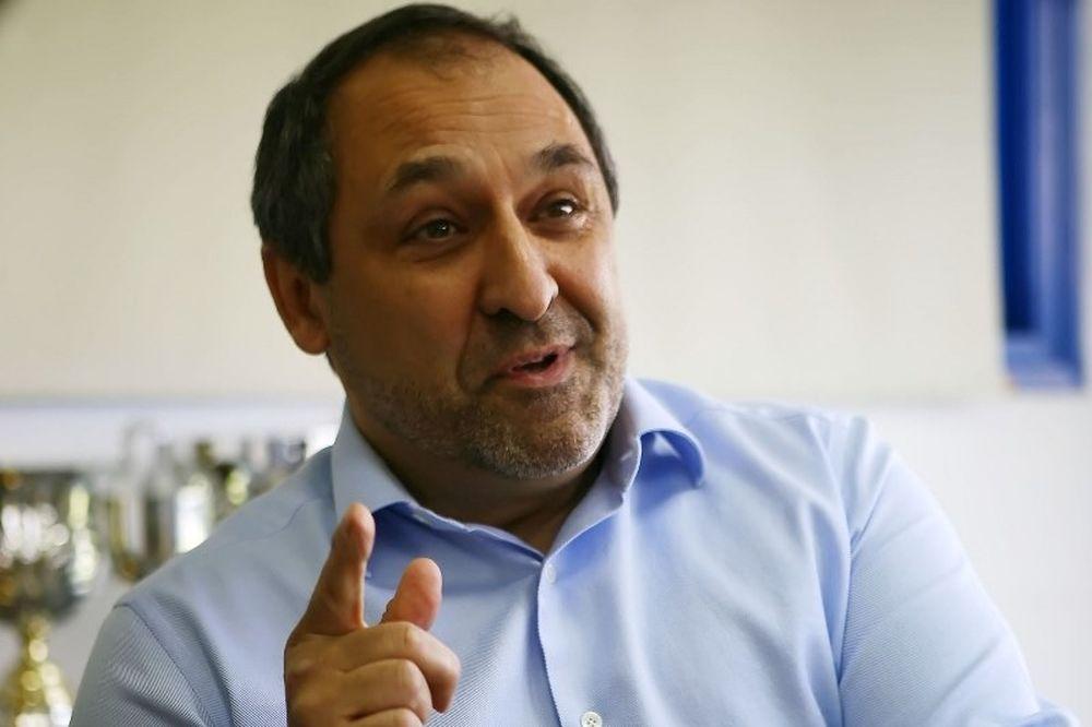 Παπαθανασάκης: «Στηρίζουμε την ομάδα και τους παίκτες»