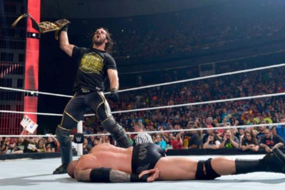 Raw: Αδίστακτος Seth Rollins (videos+photos)