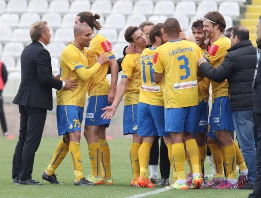 Κύπρος: Θρίαμβος (3-0) ΑΠΟΕΛ στον ημιτελικό κυπέλλου