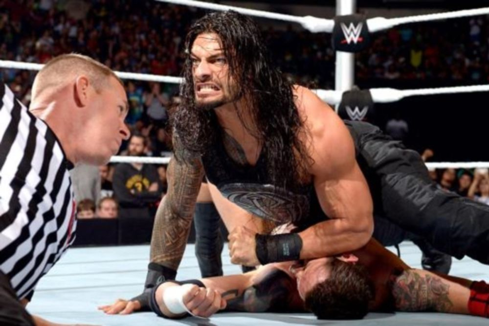SmackDown: Απτόητος ο Roman Reigns (photos+videos)