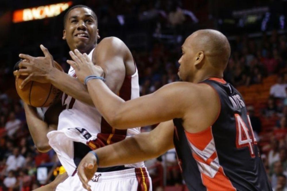 NBA: Καταστροφή για Χιτ (videos)