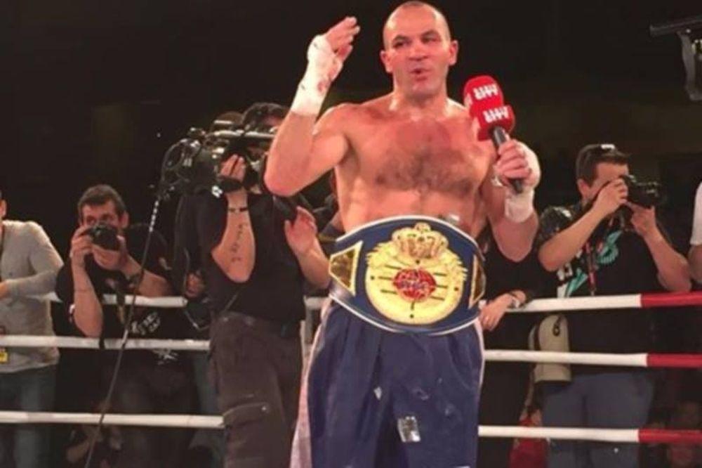 Μποξ: Πρωταθλητής στα 39 του ο Jan Zaveck
