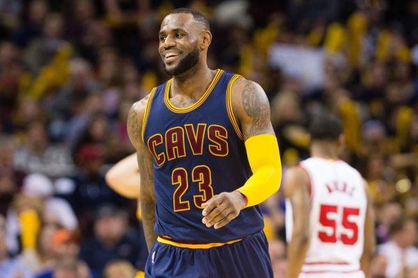 NBA: Πρώτος στην πωλήσεις φανελών ο Λεμπρόν