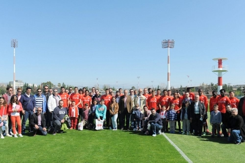 Ολυμπιακός: Η τρίτη «ερυθρόλευκη» εμπειρία… (photos)