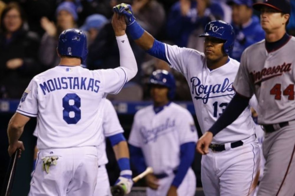 MLB: Ακάθεκτος ο Μουστάκας (videos)