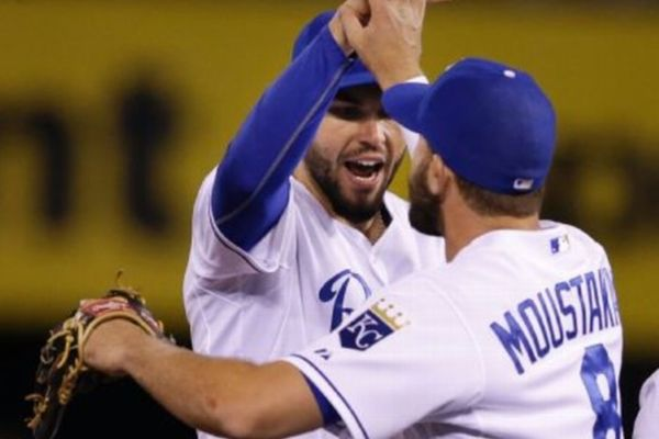 MLB: Ασταμάτητος ο Μουστάκας των Ρόαγιαλς (videos)