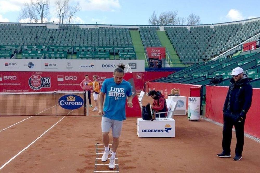 Τένις: Αποκλεισμός για Παγδατή