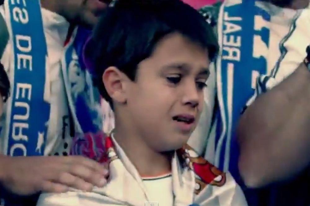 Υπέροχη χειρονομία από τον Κριστιάνο Ρονάλντο σε μικρό φίλαθλο (video)