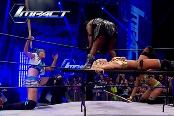 TNA Impact Wrestling: Επεισοδιακό ντεμπούτο των Doll House (videos)