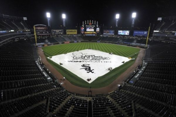 MLB: Η βροχή σταμάτησε τον Μουστάκα (videos)