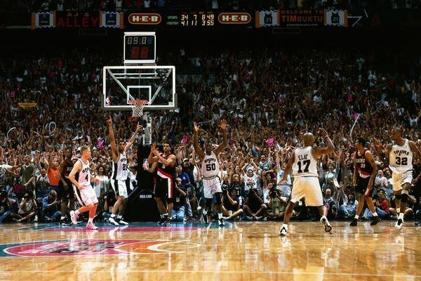 Καρέ-καρέ το σουτ που άλλαξε το NBA (photos&video)