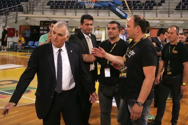 Μαρκόπουλος: «Να μας πουν τι γίνεται…»