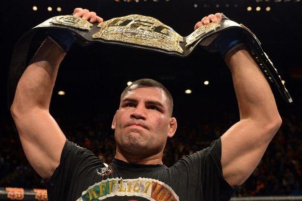 UFC: 10 άγνωστες ιστορίες για τον Κάιν Βελάσκες (photos&videos)