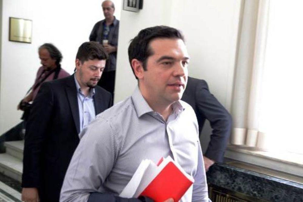 Συμφωνία: Μετρούν «κουκιά» στην κυβέρνηση μετά τις αντιδράσεις
