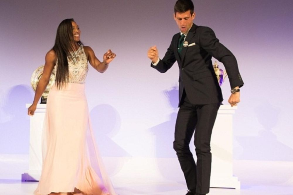 Ο Τζόκοβιτς χόρεψε στο... ταψί τη Σερένα! (video)